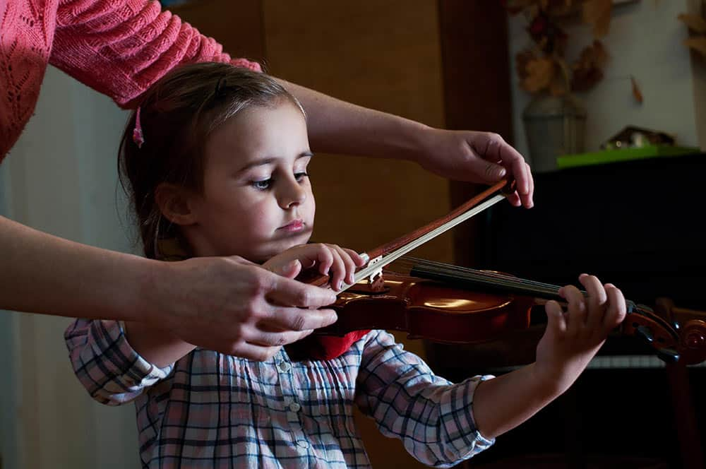 musical talent, girl playing violin