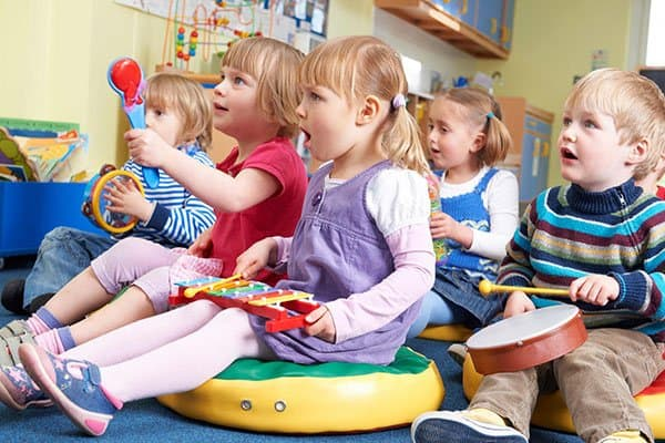 music programs that will build your brain, value of music education, good parenting brighter children, effects of music on child development, benefits of music education studies