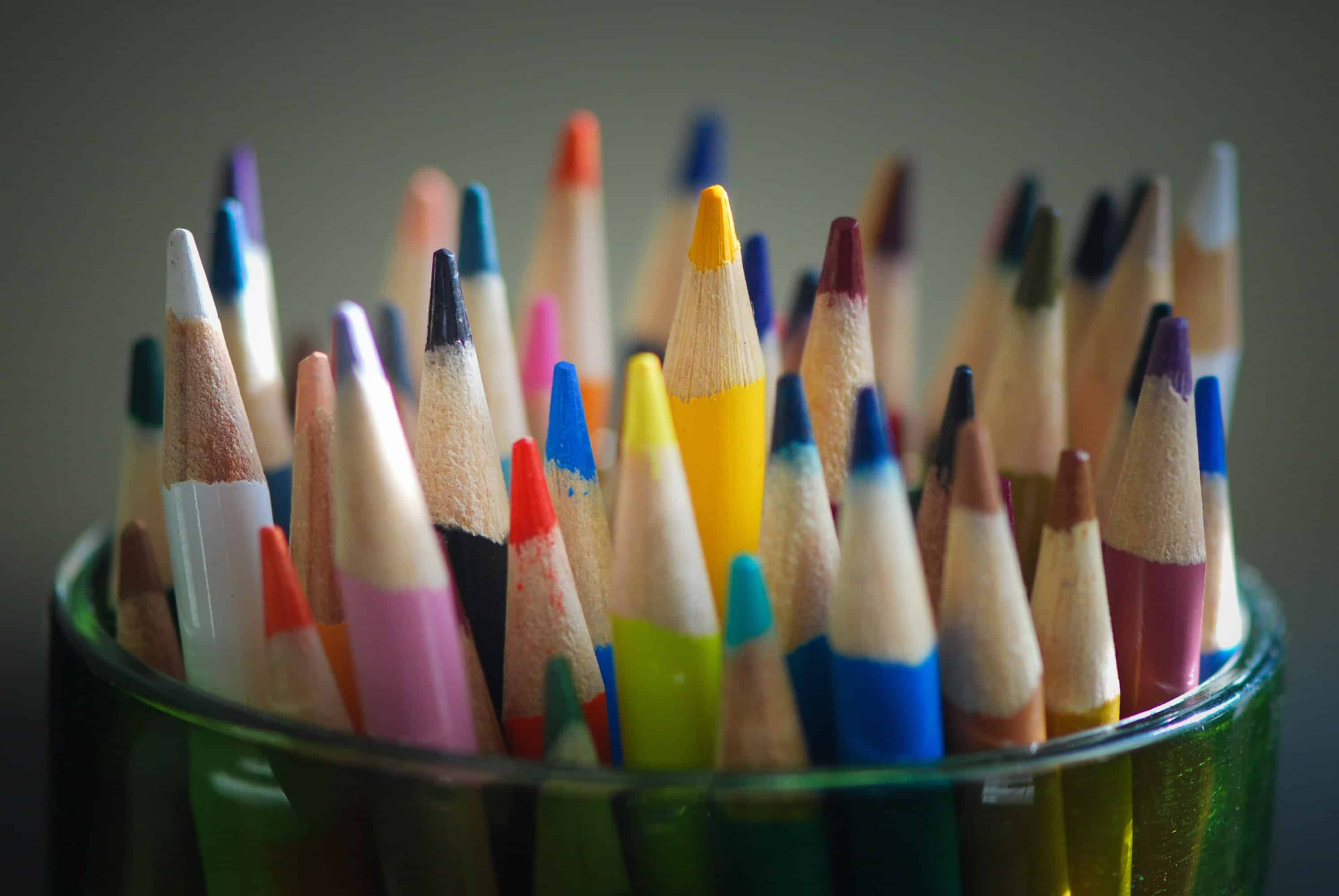 Ways to relax your mind and body with coloring. Colored pencils can be used when coloring