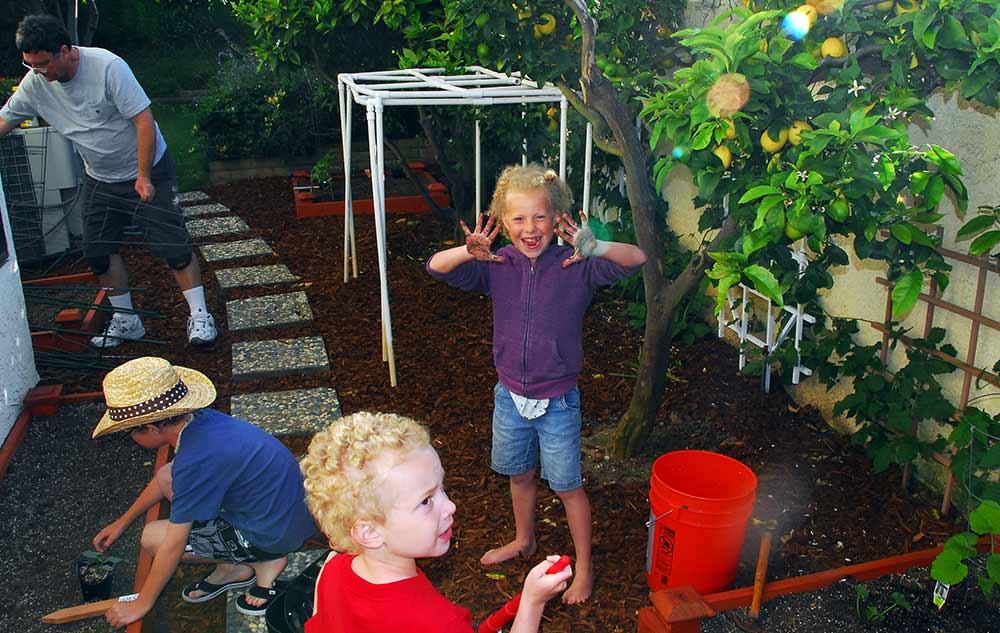gardening with kids, school garden, gardening with preschoolers, plants for kids, gardening for kids, garden ideas, kids gardening tools, kids gardening, small garden ideas, garden for kids, garden plant ideas, best plants for garden, garden crafts for kids, Good parenting brighter children